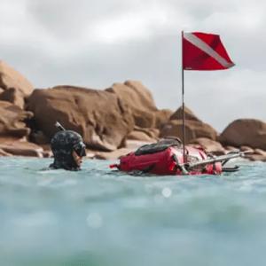 bandiera rossa immersione subacqua